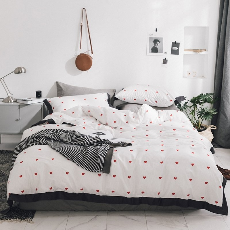 Black White And Red Romantic Heart, Trendy Bedding Sets