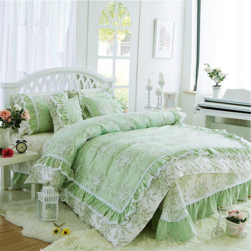 Sophisticated Elegant Sea Green And White Flower Print