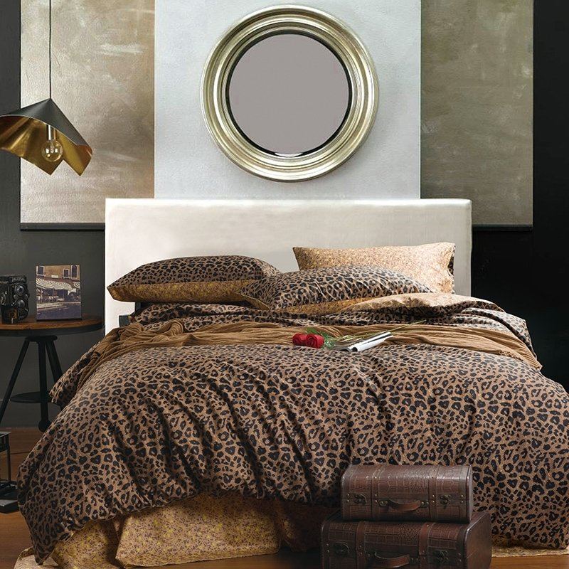 Leopard Print Themed Bedroom: Hipster Black And Coffee Brown Sexy Leopard Print