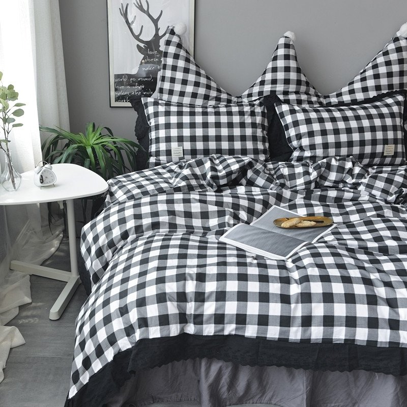 Trendy Black And White Gingham Plaid Print Twin Full Queen Size Bedding Sets